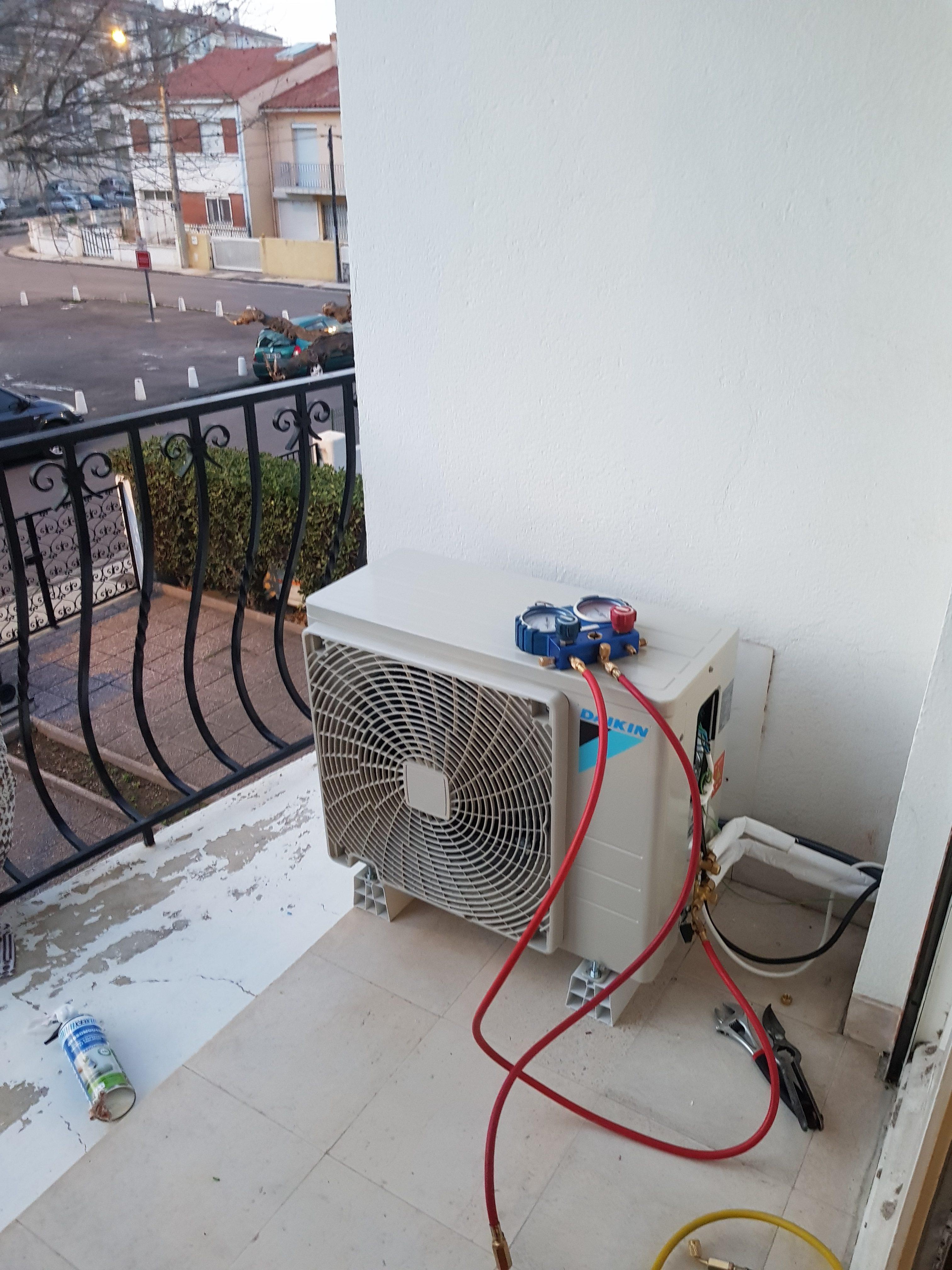 Cache Unité Extérieure Climatisation charger en gaz une climatisation réversible-blog comment